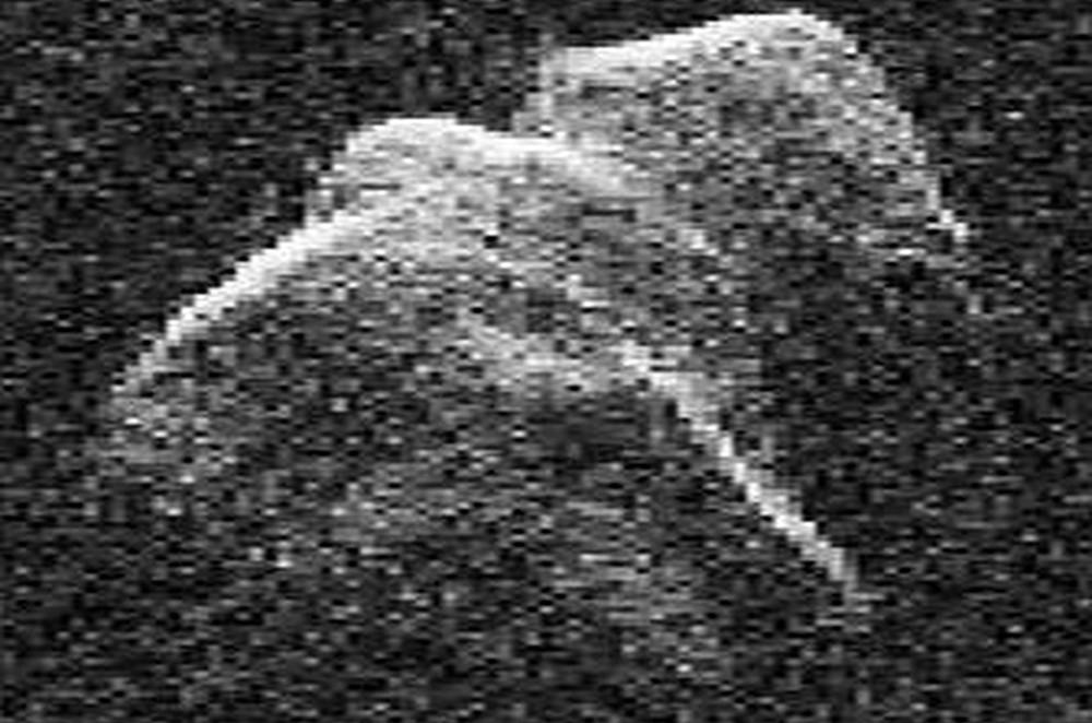 Asteroide potencialmente perigoso 4179 Toutatis de 2,5 km de tamanho. (Foto: GDSSC)
