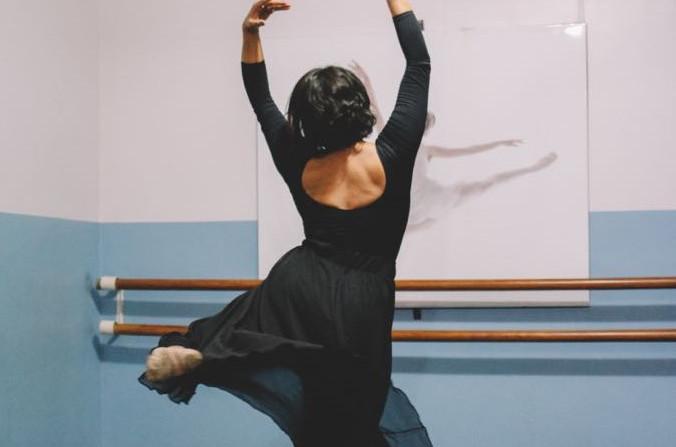 Márcia Gabriela é bailarina profissional e atua no Ensino do Ballet em Imperatriz. (Foto: Divulgação)
