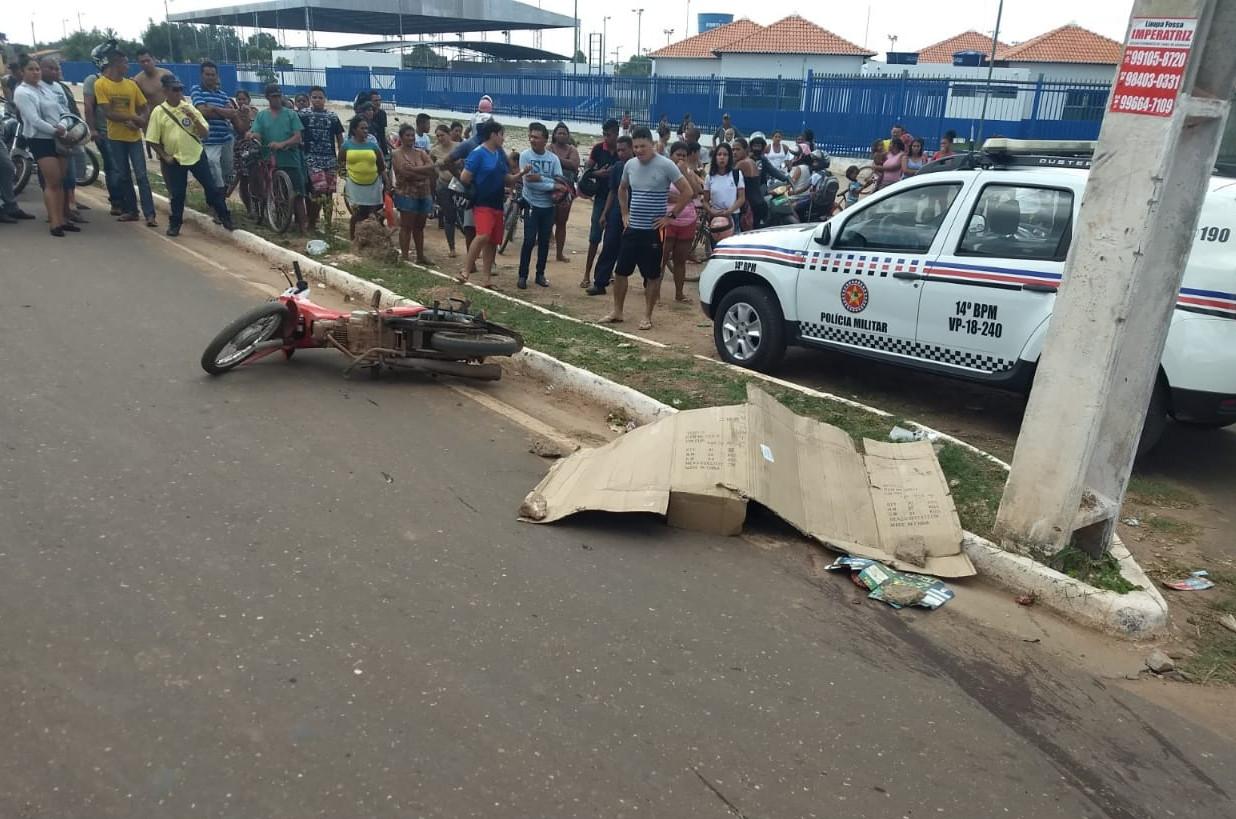 Motociclista morreu no local do acidente. (Foto: Reprodução)