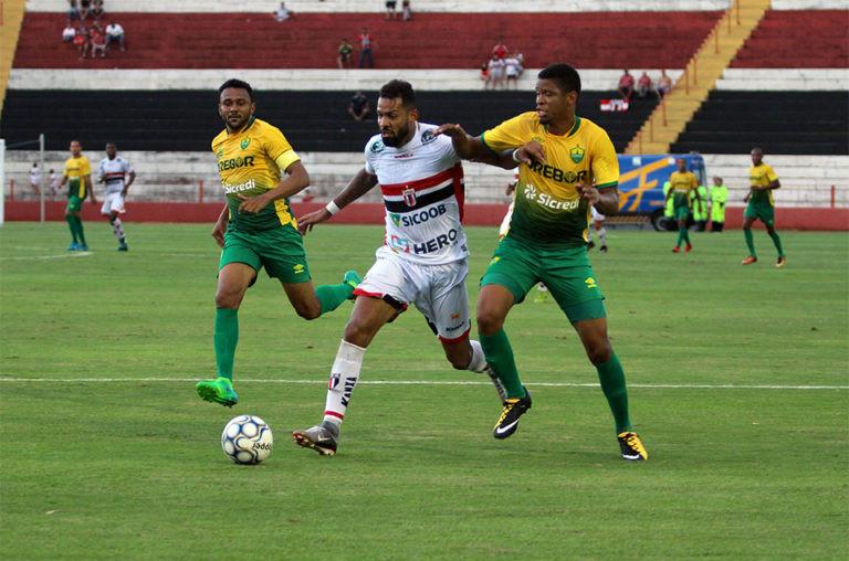 Cuiabá-MT e Botafogo-Sp ficam no 0 x 0, na primeira partida das semifinais. (Foto: Carloto Junior)