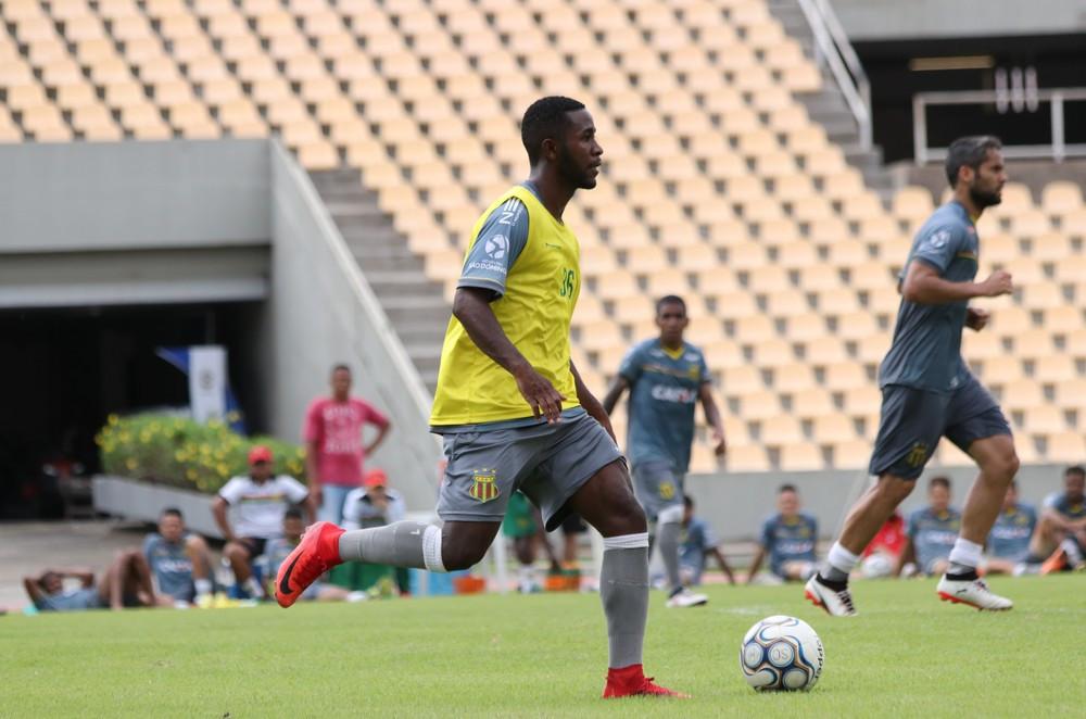 João Paulo pode não jogar mais o Brasileiro da Série B deste ano. (Foto: Lucas Almeida)