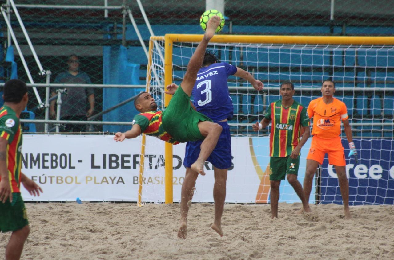 Sampaio estreia com goleada de 7 x 0 na Libertadores de Beach Soccer. (Foto: Paulo de Tarso Jr.)