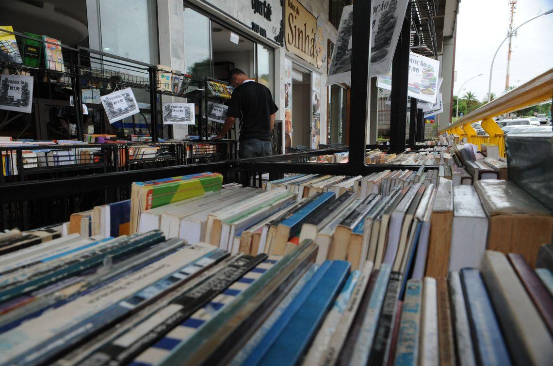 O ranking dos objetos usados mais comercializados foi encabeçado por livros (54%). (Foto: José Cruz/Agência Brasil)