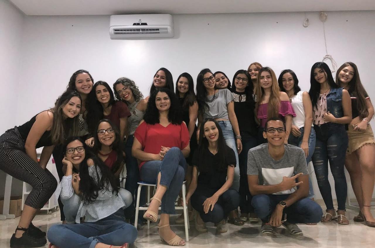 O projeto, fundado há alguns meses, abrange 23 voluntários de diversas áreas (Foto: Hyana Reis)