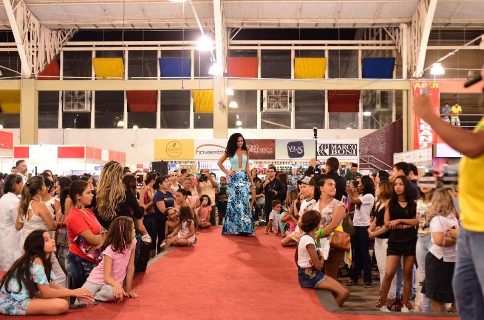 Ao todo 50 pessoas envolvidas na organização da Feira da Beleza este ano. (Foto: Daniela Souza)