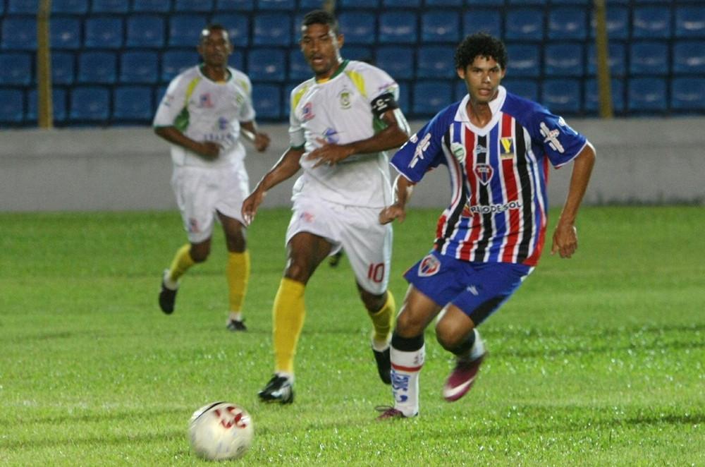 Equipe do Sabiá disputando o Campeonato Maranhense de 2014. (Foto: GE Maranhão)