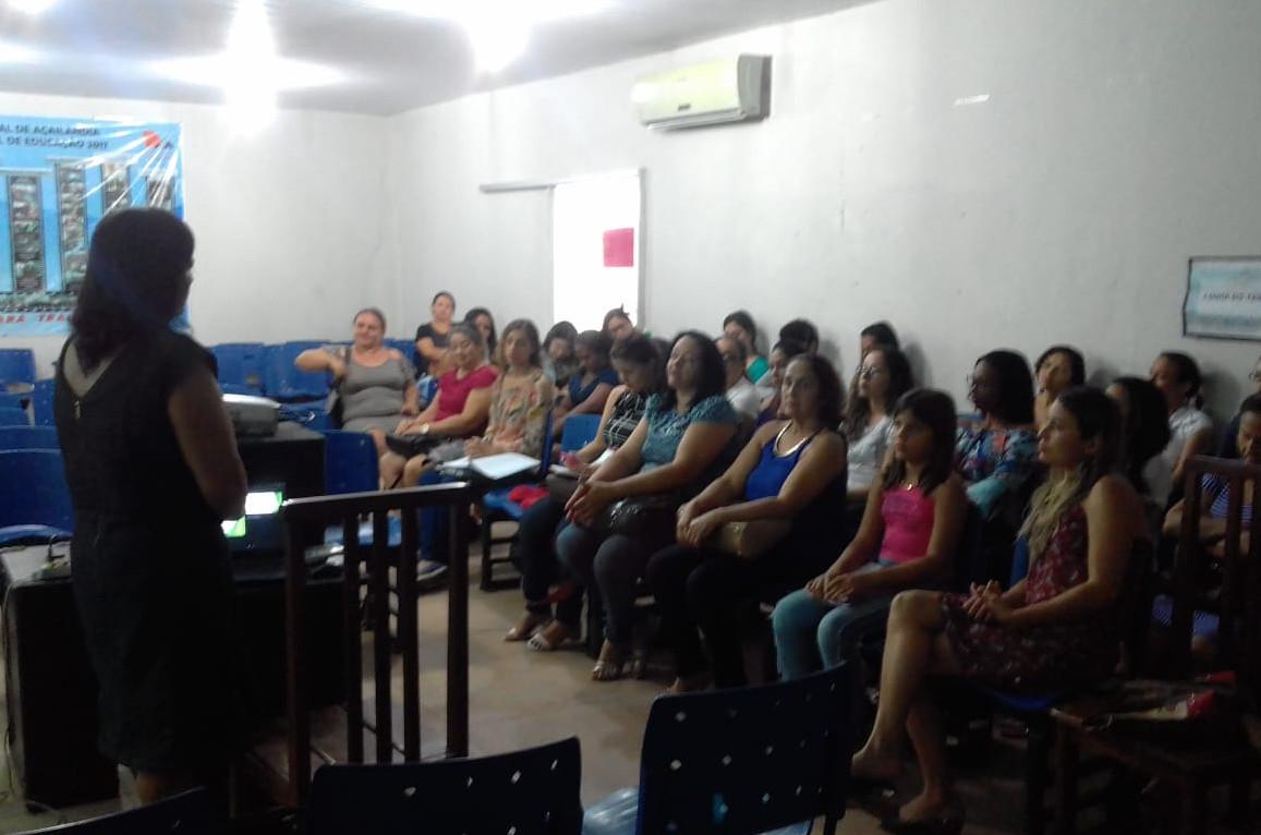 As aulas estão acontecendo no auditório da Secretaria Municipal de Educação, por meio do Departamento da Educação Especial. (Foto: Site Prefeitura Municipal de Açailândia-MA)