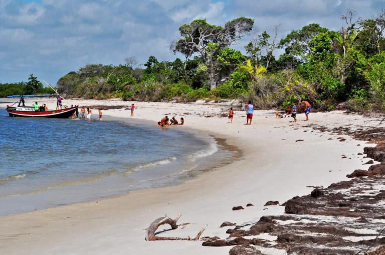 O estado reserva muitas praias paradisíacas, que nem sempre estão nas rotas de turistas (Foto: Reprodução)