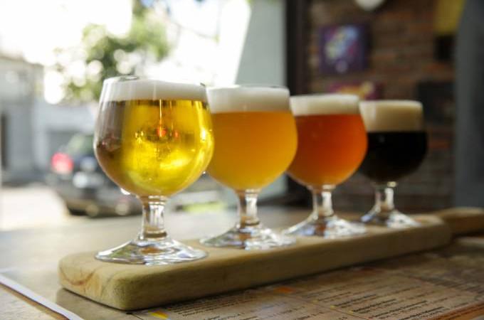 As cervejas artesanais se tornaram uma verdadeira paixão para os apreciadores da bebida. (Foto: Reprodução)
