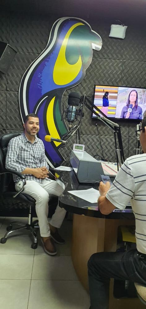 Dr Wesley concedendo entrevista