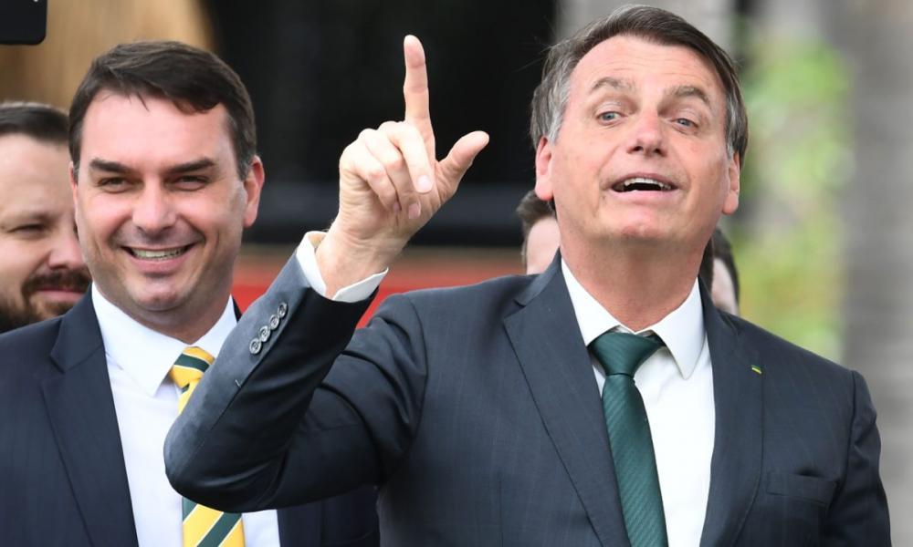 Segundo pessoas que tiveram acesso ao vídeo, Bolsonaro afirmou que sua família estava sendo perseguida