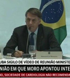 Bolsonaro esculhamba políticos em tom alterado