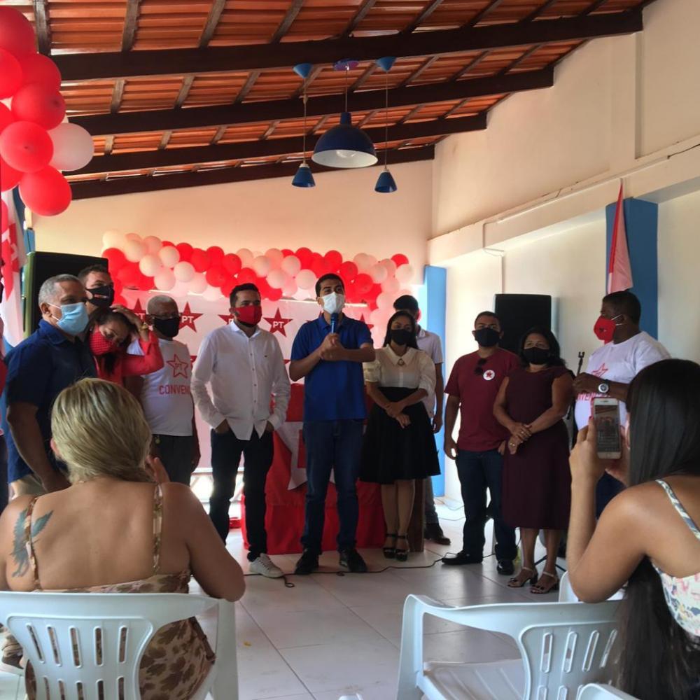 O Partido dos Trabalhadores realizou sua Convenção eleitoral neste domingo (13) e definiu que irá marchar junto com o Deputado e Professor Marco Aurélio (PCdoB)